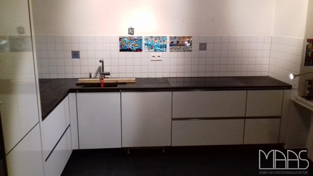 Montage in Köln der Schiefer Arbeitsplatten Mustang Schiefer