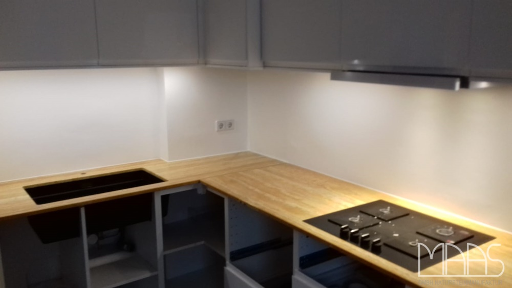 Berlin IKEA Küche mit Travertin Giallo Persia Marmor ...