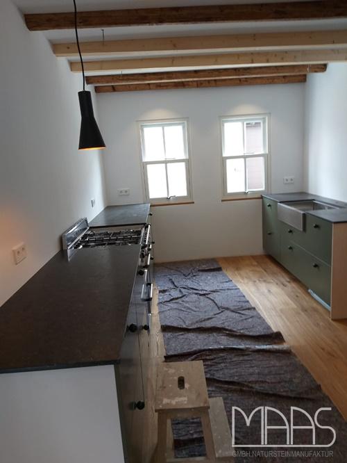 Bornheim IKEA Küche mit Belgisch Granit Marmor Arbeitsplatten