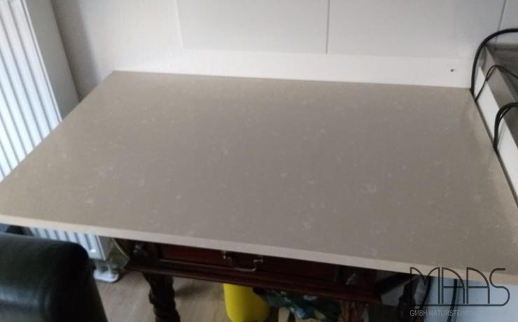 Bonn Tigris Sand Siletone Tischplatte