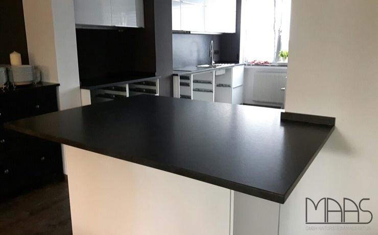 Köln Alexander Black Granit Arbeitsplatten und Wischleisten