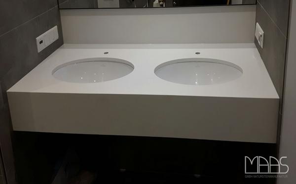 Aufmaß, Lieferung und Montage - Köln Blanco Zeus Extreme Silestone Waschtisch und Rückwand