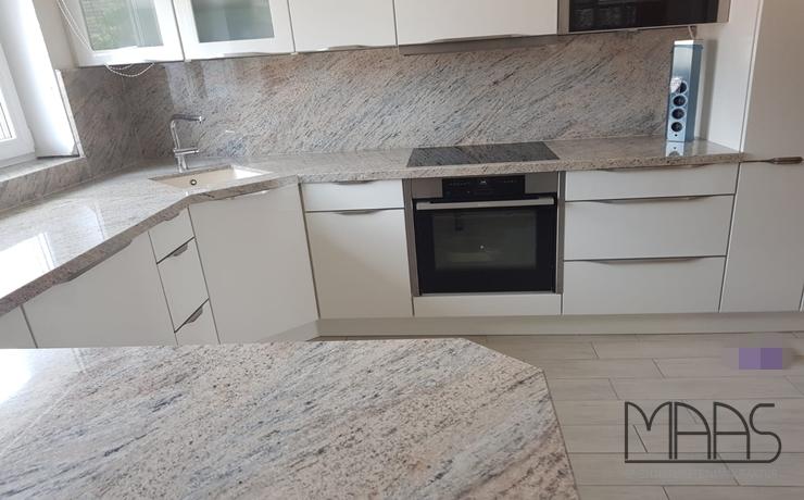 Mönchengladbach Cielo Ivory Granit Arbeitsplatten