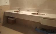 Montage des Caesarstone 1141 Pure White / Perfect White Waschtischs in Bonn