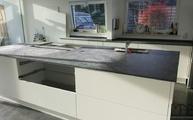 Montage in Leverkusen: Schiefer Arbeitsplatten Anden Phyllit