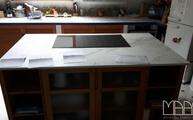 Kücheninsel mit einer Dekton Arbeitsplatte