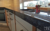 Granit Arbeitsplatten Labrador Blue in 2 cm Stärke