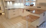 Landhausküche mit Astoria Fantasy Granit Arbeitsplatten