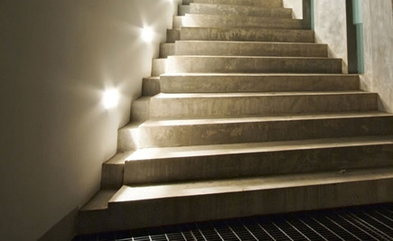 Kunststeintreppen - Mit Licht in Szene gesetzten Kunststeintreppen